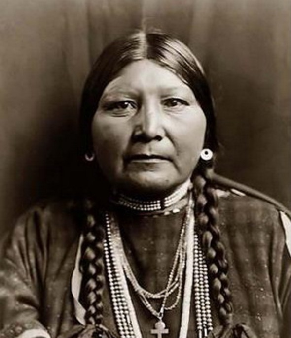 Indianca  din tribul Nez Perce