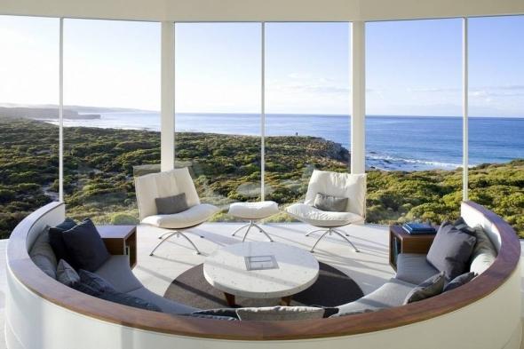 Casa circulară din Insula Kangaroo din Australia este inundată de lumină în fiecare zi.