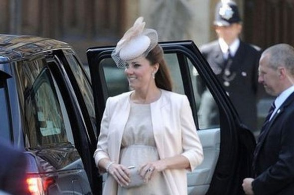 Kate Middleton (2013 - insarcinata cu primul copil)