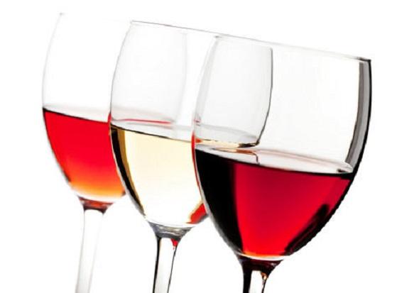 Cum şi cât te îngraşă alcoolul ?