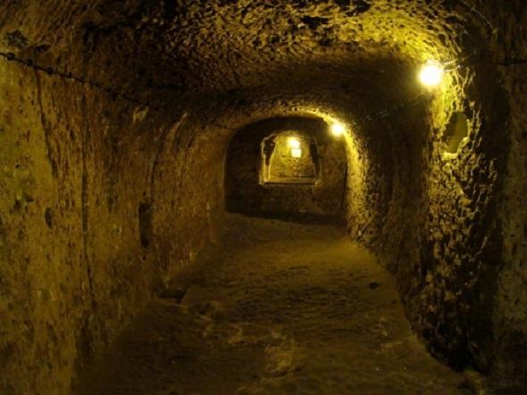 800px_derinkuyu_underground_city_82038400