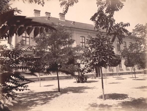 Curte interioara - 1833