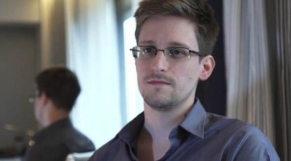 Edward-Snowden-620x344