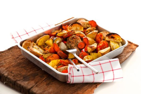 ghid-complet-pentru-legume-la-cuptor-cum-sa-rumenesti-perfect-ciuperci-morcovi-si-cartofi_size1
