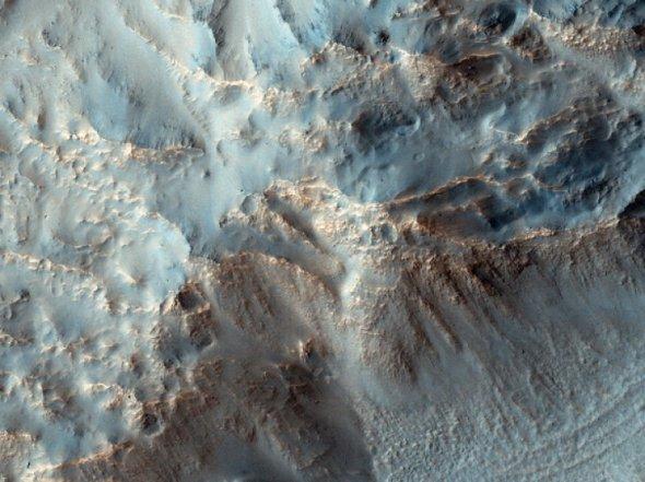 1southeast-rim-hale-crater_03317600