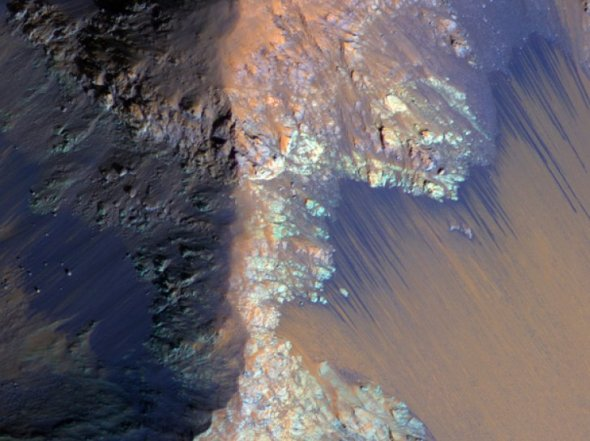 recurring-slope-lineae-coprates-chasma_65369900