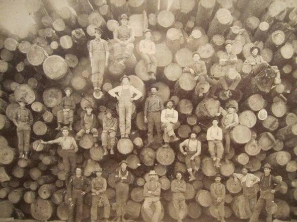 Tăietori de lemne, 1900