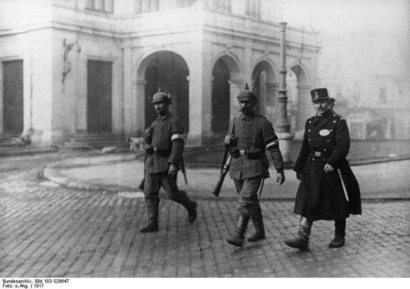 Foto: Poliţia Capitalei asigurată de doi nemţi şi un român