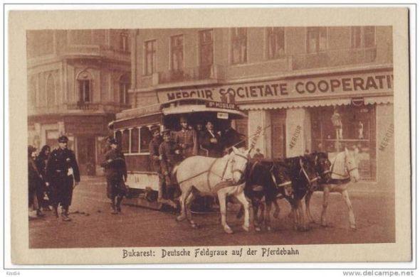 Foto: Soldaţilor le plăcea să se plimbe cu tramvaiul tras de cai